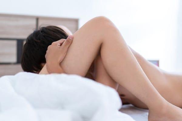 quan hệ tình dục bằng miệng kích thích bạn tình